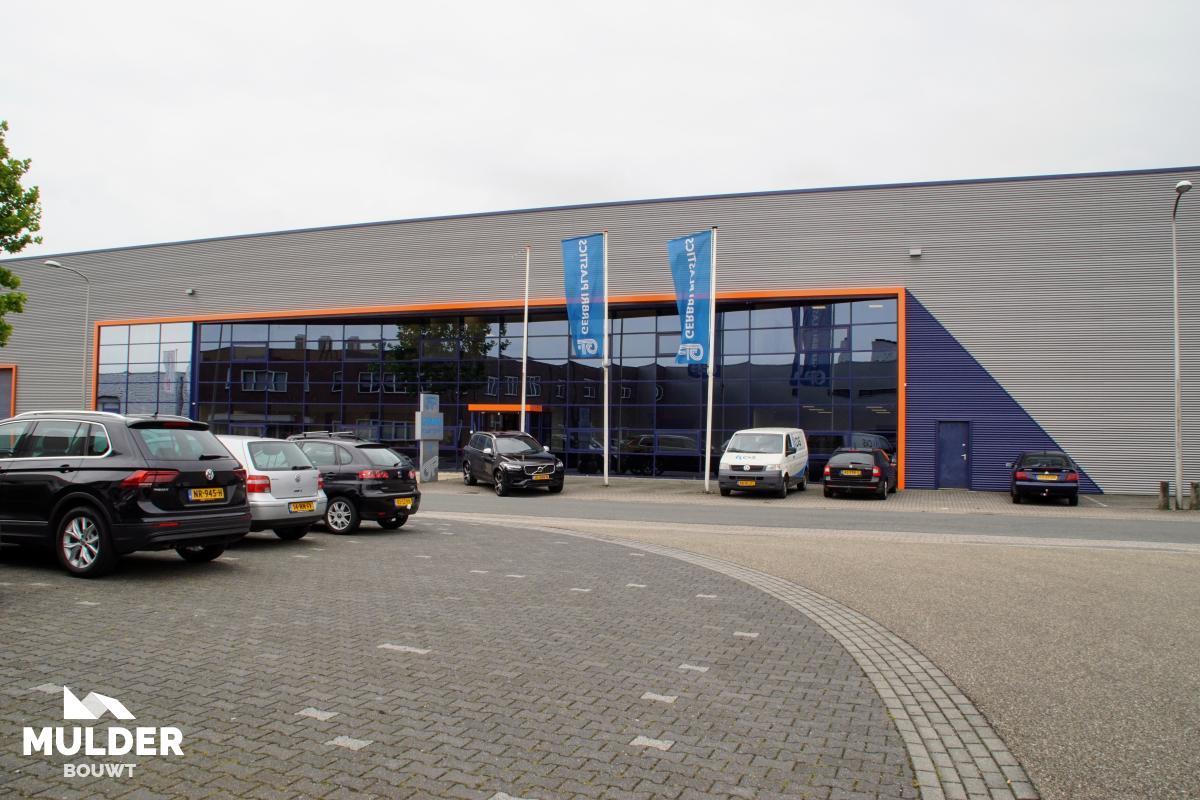 Bedrijfshallen en kantoren in Rijssen
