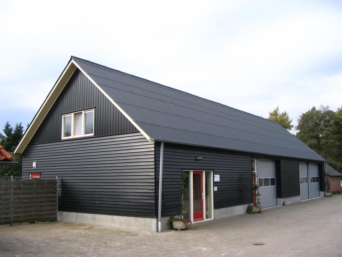 Werkplaats en kantoor in Beckum